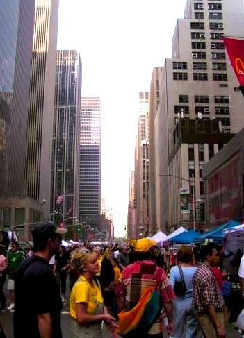 Traffic cleared for the street fair on 6th Avenue