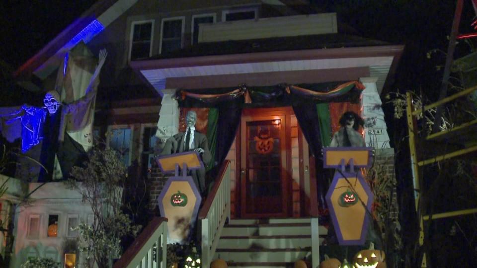 ハロウィーンでも大統領選挙 ミルウォーキーの家が話題