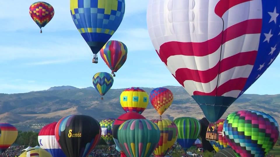 恒例 ネバダ州の気球レース