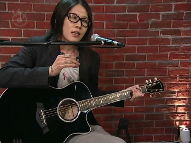 MIYAVI Interview & Acoustic Live