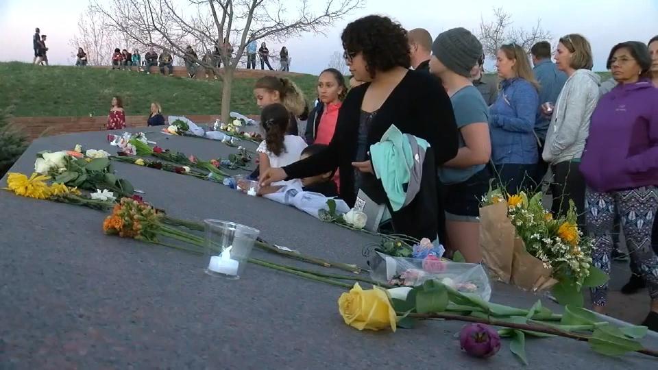 コロンバイン高校銃乱射事件から20年 / 20 years after Columbine
