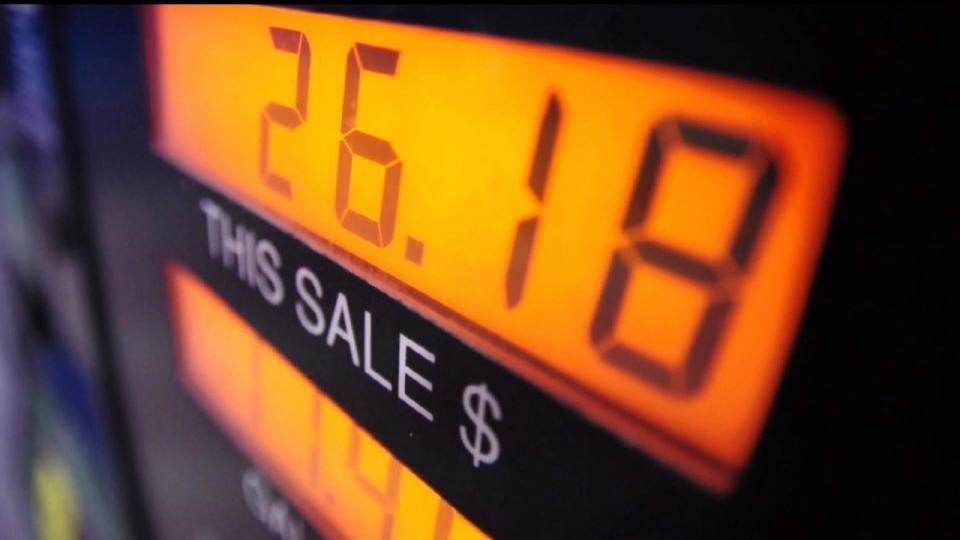 米ガソリン価格高騰! 節約方法は? / Gas price hits $2.81 per gallon