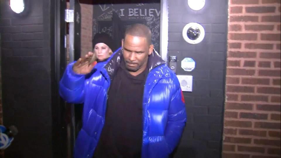 米R&B歌手R.ケリー 性的暴行罪で起訴 / R. Kelly charged
